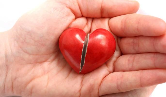 При каких симптомах болезней сердца нужно вызывать скорую помощь