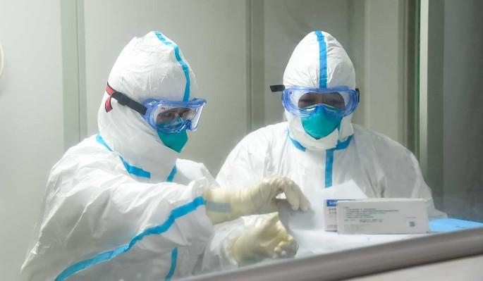 Мутацию коронавируса назвали причиной новой вспышки эпидемии в Китае