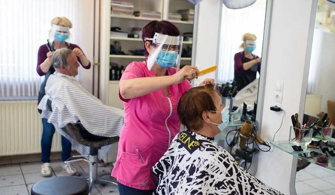 Власти Москвы назвали условие открытия парикмахерских thumbnail