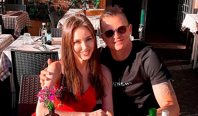 Интимные ласки Костенко и Тарасова попали на камеру