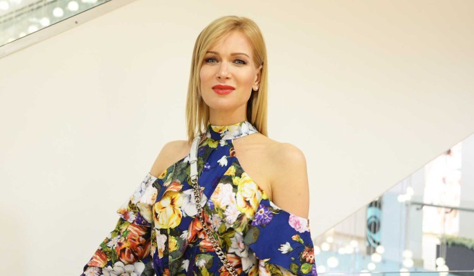 Странно одетая Судзиловская сделала заявление после слухов о беременности