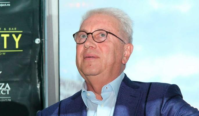 72-летний Винокур показал свои наколки