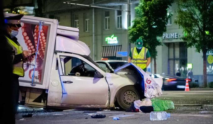 Деньги, адвокаты и связи: Кравец поможет семье убитого Ефремовым водителя