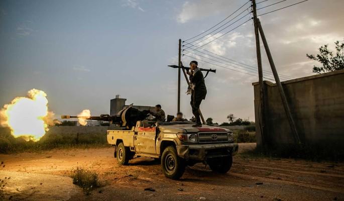 Для освобождения россиян действовать в отношении ПНС Ливии стоит с позиции силы, считает политолог