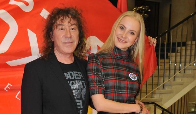 65-летний Владимир Кузьмин выставил интимные фото с молодой женой