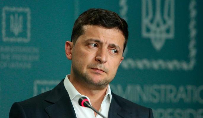 Зеленский отверг идею поездки в Москву на парад Победы