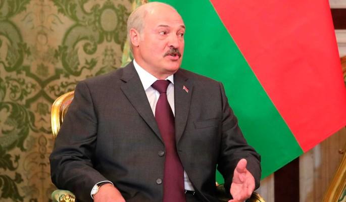 Белорусский политик нашел скрытый смысл в присутствии Лукашенко на параде Победы 24 июня