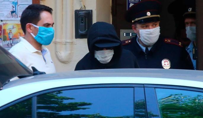 Заявление об усыновлении Ефремовым детей погибшего в ДТП водителя объяснили