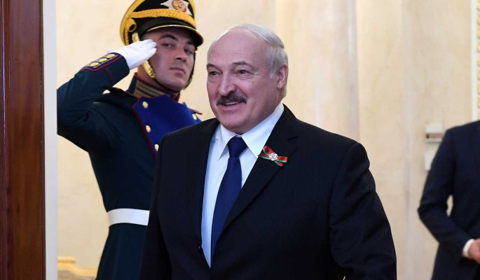 Эксперт объяснил поспешный отъезд Лукашенко из Москвы после парада Победы