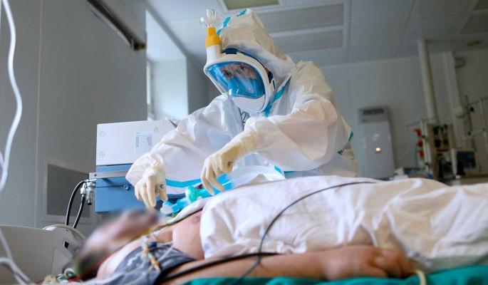 Предсказавший эпидемию COVID-19 вирусолог предупредил о скорой второй волне заражения в России thumbnail