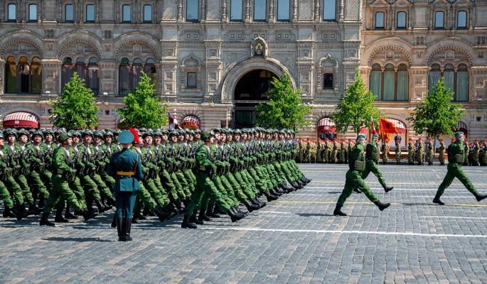 Россию обвинили в расизме при проведении парада Победы в Москве