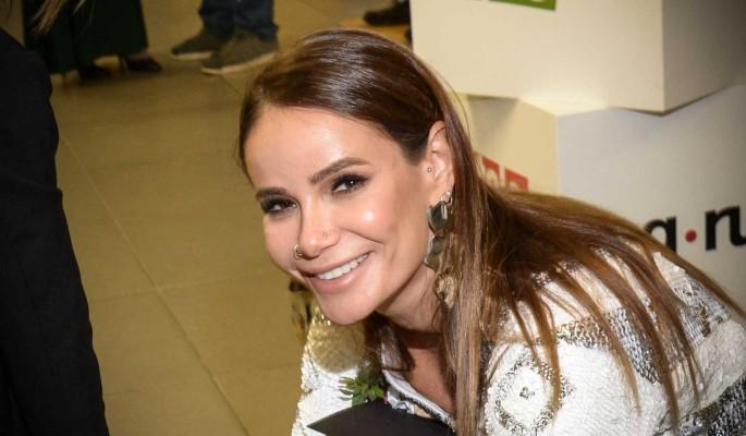 Айза Анохина взбесилась из-за странного поведения бывшего мужа