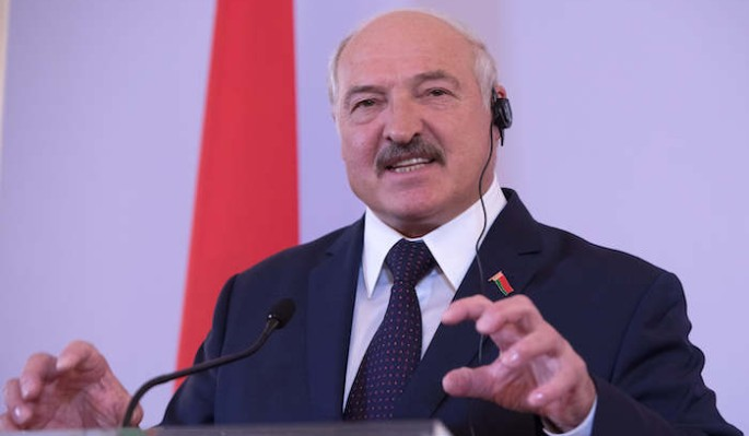 Лукашенко высказался о необходимости контроля в Белоруссии: Как детей
