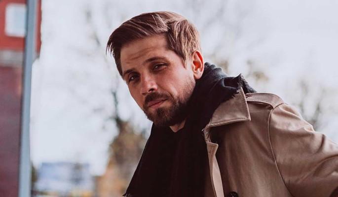 Звезда сериалов Роман Маякин воссоединился с маленьким сыном