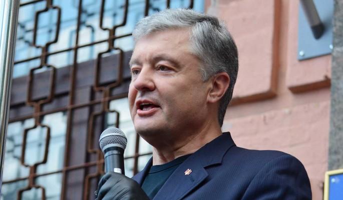 Скандал с Порошенко: экс-президента обвинили в поздравлении Путина с Днем России