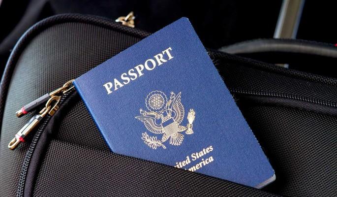 """""""Предъявите Ваш американский паспорт"""": бегство Малышевой из России обернулось скандалом"""