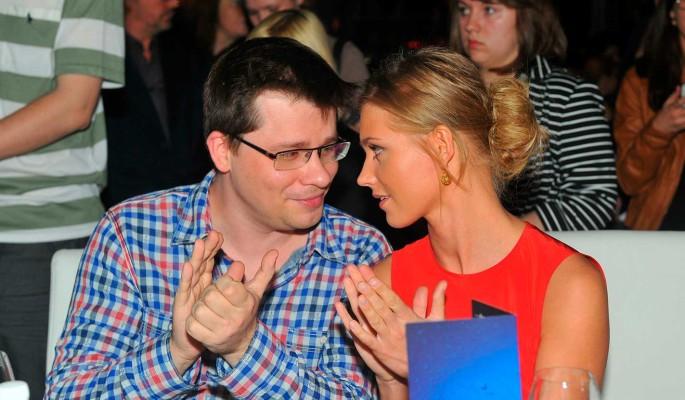 Ведущий скандального шоу объяснил шутку о разводе Харламова и Асмус