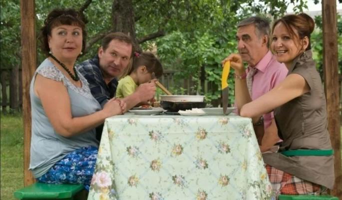 """Появился новый кадр со съемок сериала """"Сваты"""": Повзрослели наши дети"""