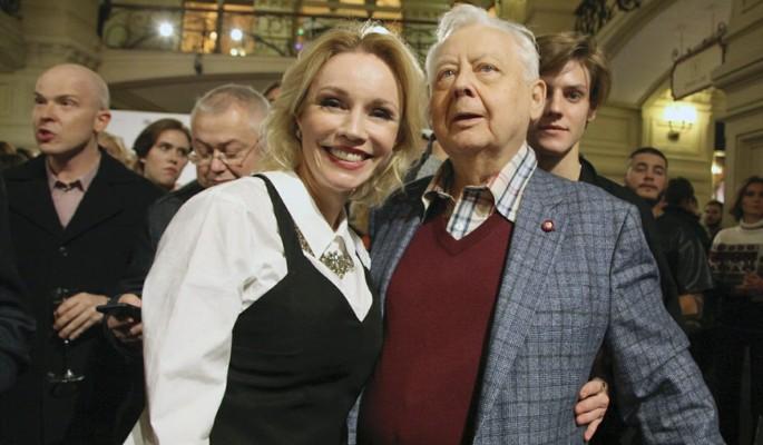 Зудина показала фото молодого Табакова: не больше 26 лет