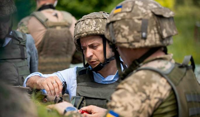 Эксперт назвал причину, почему Зеленскому выгодна война в Донбассе