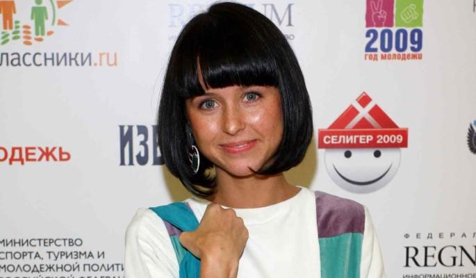 Карпович ехидно ответила на слова о романе с Прилучным: Про кровь маловато