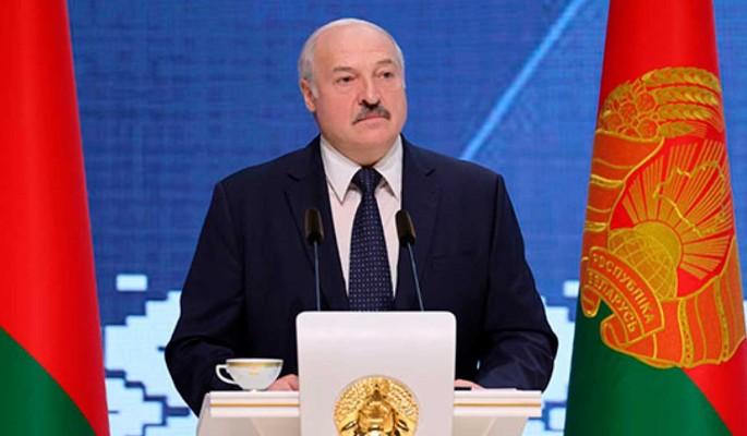 Эксперт об обращении Лукашенко к армии перед выборами: Все очень серьезно