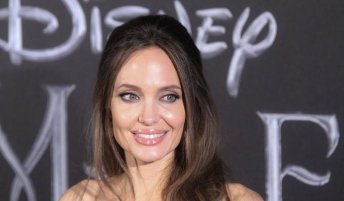 Кожа да кости: новые фотографии Анджелины Джоли повергли поклонников в шок