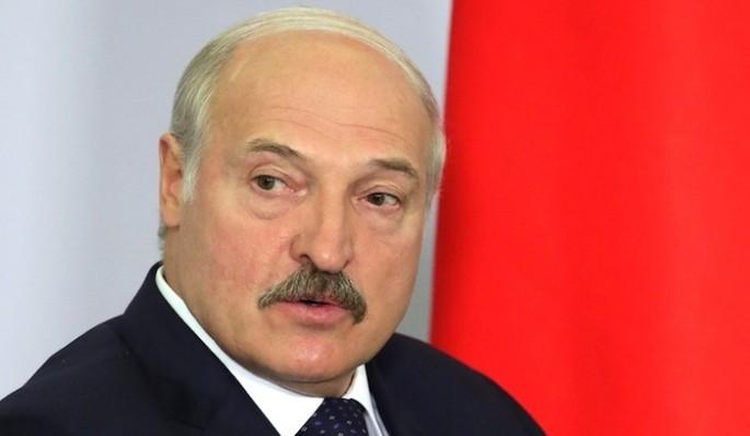 Идущий на шестой срок Лукашенко неожиданно столкнулся с мощным противником