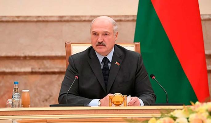 Не сможет победить: эксперт назвал рейтинг Лукашенко перед выборами