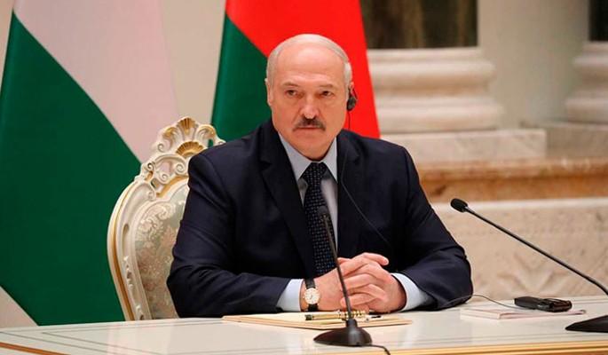 Путин выбрал жесткий сценарий в отношении Лукашенко – политолог