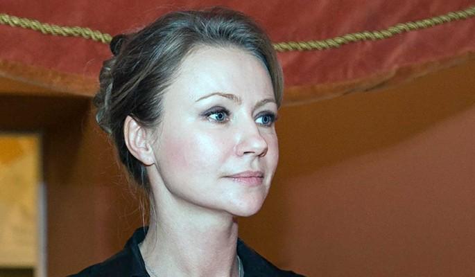 Миронова пожаловалась на разлуку с маленьким сыном