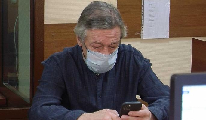 """Ефремов оскорбился из-за слов о его """"похрюкивании"""" в суде"""