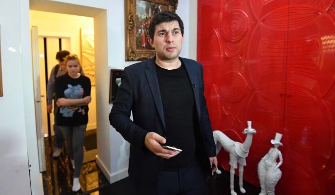 Сколько тратит сын Бари Алибасова в месяц