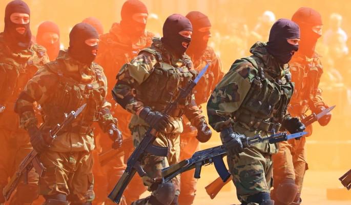 Лукашенко стянул войска в Минск перед голосованием на президентских выборах