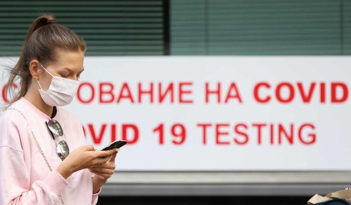 Россиян предупредили об агрессивных вспышках COVID-19 осенью