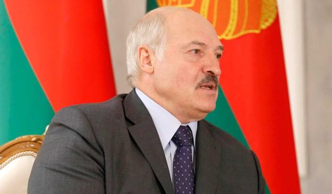 Лукашенко пригрозили убийством и призвали отдать власть