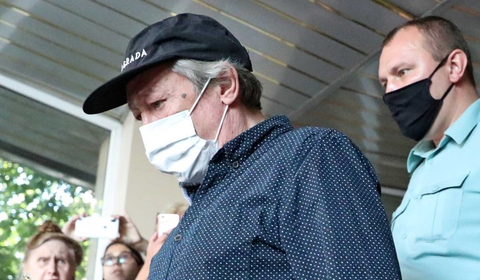 Адвокат добивается поблажек для Ефремова на фоне вестей о госпитализации