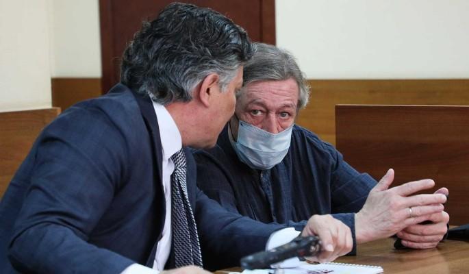 """""""Моральные уроды"""": адвокат Ефремова взорвался после обвинений во лжи"""