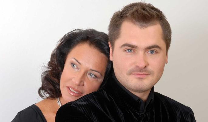 Молодого любовника Надежды Бабкиной госпитализировали