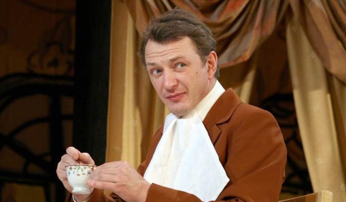 Руководитель театра рассказал правду об увольнении выпивающего Башарова