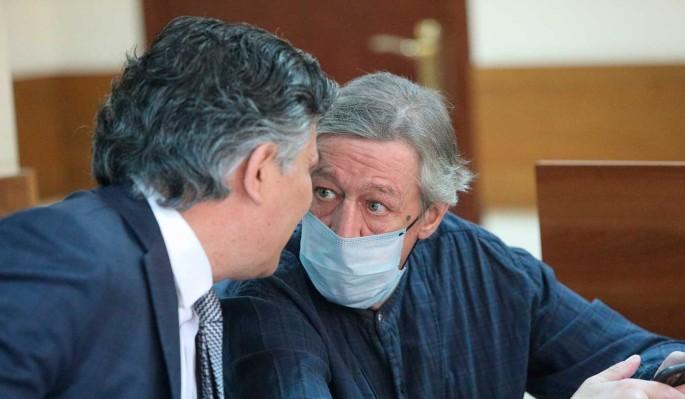 Названа причина возвращения Ефремова к скандальному адвокату Пашаеву