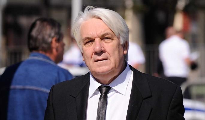 Подлецы жестоко избили 67-летнего Шлыкова в собственном доме