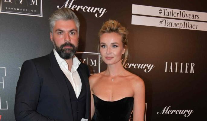 Экс-супруг Гагариной эксплуатирует новую пассию