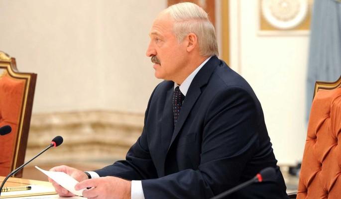 Белоруссии прочат экономический крах из-за действий президента: Лукашенко спешит сложить яйца в одну корзину