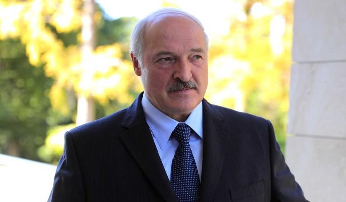 """""""Защитили страну от блицкрига"""": Лукашенко прокомментировал избиение протестующих"""
