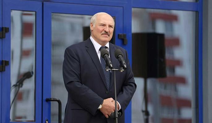 Политолог: Путин решит судьбу Лукашенко, его дни сочтены