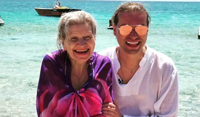 """""""Не вылезаем из постели"""": Гоген Солнцев о сексе с 65-летней женой"""
