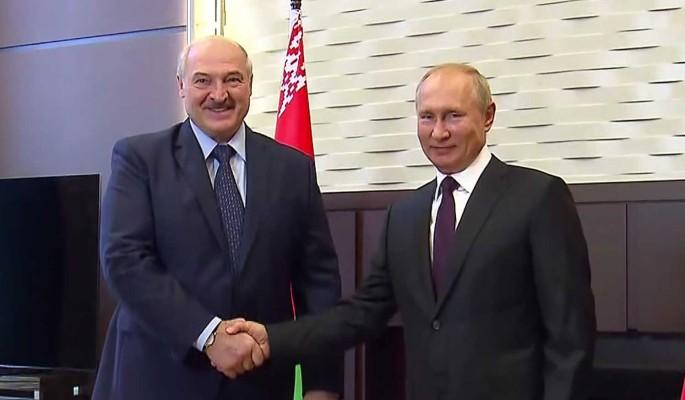 Психолог расшифровала позу Путина во время переговоров с Лукашенко: Испытывает скуку и апатию