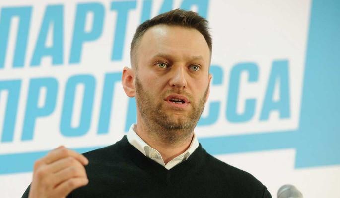 """""""Грибов съел, самогоном запил"""": эксперт выдвинул сенсационные версии отравления Навального"""