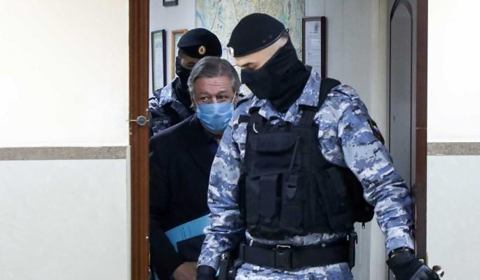 """""""Его не наказали"""": сестра Ефремова сделала неожиданное заявление"""